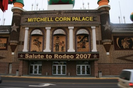 Corn Palace in Mitchell SD.jpg